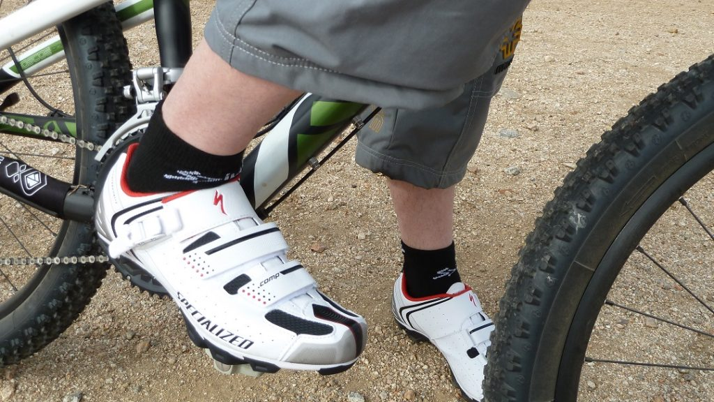 mtb shoes closure system